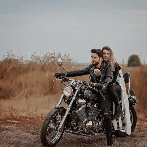 Portret in natura, fotografie de familie Timisoara, motocicleta