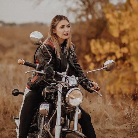 Portret in natura, Timisoara, motocicleta