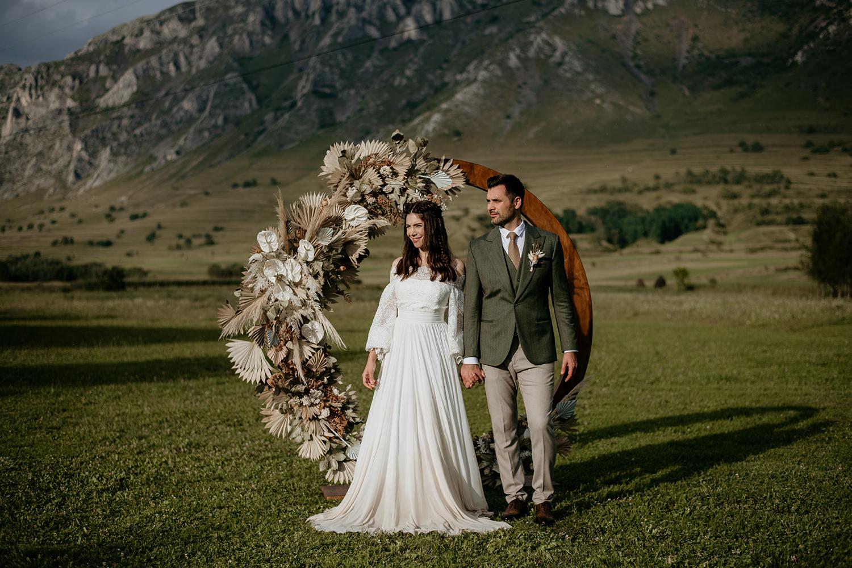 Sedință foto Love Story în Rimetea. Pregatiri de nunta. Sedinta foto mire si mireasa